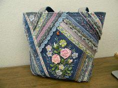 Picture result for patchwork bag - Taschen - Denim Crazy Quilting, Crazy Patchwork, Patchwork Bags, Quilted Bag, Denim Patchwork, Purse Patterns, Sewing Patterns, Bag Quilt, Sacs Design