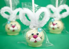 Easter cake pops. Might make these for the Easter bake sale with my new cake pop pan.