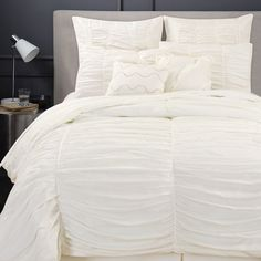 This White Camilla Eight-Piece Bedding Set by Artistic Linen is perfect! Best Bedding Sets, Queen Comforter Sets, Accent Pillows, Comforters, Camilla, Blanket, Luxury, Bedroom, Furniture