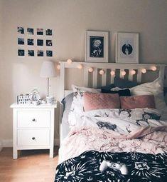 Living inspiration Schwarz, Weiß, Pink und Grau The Bedroom Refuge Is your bedroom a haven — a sanct Teen Bedroom Designs, Bedroom Themes, Bedroom Decor, Bedding Decor, Bedroom Wall, Wall Decor, Dream Rooms, Dream Bedroom, Master Bedroom