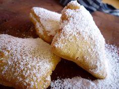 Beignet, smažené francouzské pečivo / Beignet