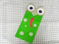 DIY Kids Crafts : DIY Paper Bag Frog Puppet