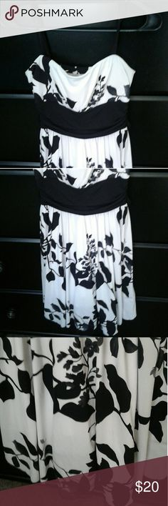 White & Black Floral Bird Formal Dress Perfect for whenever you need your Sunday best! Speechless Dresses