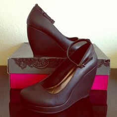 """Mix No. 6 platform wedge pumps Mix No. 6 Wright platform wedge pump with adjustable ankle strap. Black faux leather upper, synthetic sole, 1"""" platform, 4"""" sculpted wedge. Never worn. New in box. Mix No. 6 Shoes Platforms"""