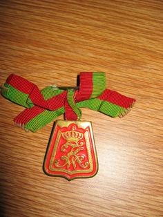 Commemorative sabertasche pin to the Lieb Garde Husar Regiment. These pins were usually worn by veterans of the regiment on their civilian suits to denote service in the regiment.