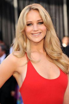 Jennifer Lawrence Weight, Height, Bra Size, Figure Size Body Measurements . Jenifer Lawrence is a Hollywood actress. She appeared in lots of independent films. She has earned different awards for best actress. Lets have a look on Jennifer Lawrence Weight, Height, Bra Size, Figure Size Body Measurements. Jennifer Lawrence Age: 23 years Jennifer Lawrence Birthday Date: 15-08-1990 (dd-mm-yyyy) Jennifer Lawrence Nationality: American Jennifer …