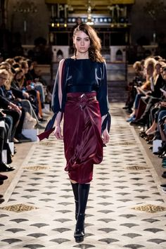 Runway / Nobi Talai / Paris / Herbst 2017 / Kollektionen / Fashion Shows / Vogue