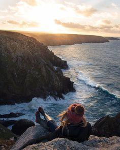 Ph: Aaron Jenkin #fotogurucom #girl  #beautiful  #sunset #sea  #retouch #photo #nature  #amazingphoto #photooftheday #photography #photographer #Photoshop #фото #девушка #ретушь #обработкафото #цветокоррекция #цветокоррекцияфото  #фотография #фотограф  #закат #море #природа by foto.guru