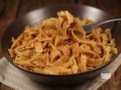 Taietei cu pesmet Romanian Food, Romanian Recipes, Penne, Apple Pie, Italian Recipes, Macaroni And Cheese, Food To Make, Main Dishes, Vegetarian Recipes
