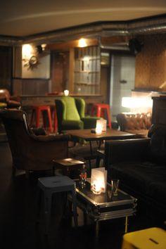 Le comptoir Bar  #Lausanne #drinks  Rue de la Barre 1, Lausanne 1005, Suisse Lausanne, Great Places, Places To Go, Restaurant, Barre, Switzerland, Liquor Cabinet, Drinks, Chic