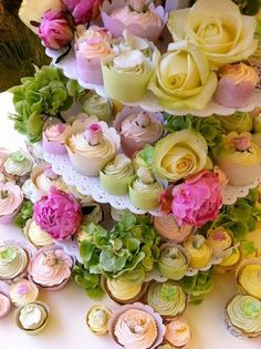 Cupcakes, pastel, roses, flowers spring wedding | Candy Buffet Weddings and Events | Scoop.it