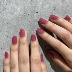Discover recipes, home ideas, style inspiration and other ideas to try. Classy Nails, Simple Nails, Cute Nails, Minimalist Nails, Hair And Nails, My Nails, Glitter Nails, Nail Manicure, Nail Polish