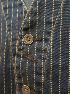 Buttoned up investments. Skinny Fashion, Denim Fashion, Steampunk Men, Country Wear, Denim Art, Retro Mode, Rockabilly Fashion, Textiles, Denim Outfit