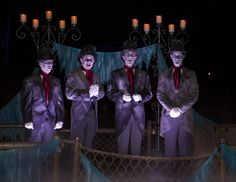 You're invited to our boo-friendly bash! Once again, Disneyland Park welcomes the magnificently macabre Cadaver Dans to Mickey's Halloween Party starting September happily haunted harmonies are sure to make spirits soar! Halloween Time At Disneyland, Haunted Mansion Halloween, Mickey Halloween Party, Disney Halloween, Scary Halloween, Halloween Parties, Halloween Decorations, Disneyland California Adventure, Disneyland Vacation
