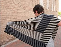 Ravelry: Derecho pattern by Laura Aylor