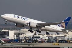 United Airlines B777-222/ER