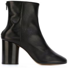 Maison Margiela 'Socks' ankle boots (3.375 RON) ❤ liked on Polyvore featuring shoes, boots, ankle booties, black, short black boots, chunky-heel ankle boots, leather boots, black high heel booties and black booties