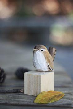 Carved Wooden Animals, Clay Birds, Wooden Chopping Boards, Wood Bird, Art Carved, Bird Sculpture, Small Studio, Handmade Wooden, Bird Art