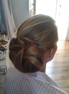 WEDDING HAIR AND MAKEUP IN UMBRIA by Janita Helova http://www.hairmakeupnails-rome.com/