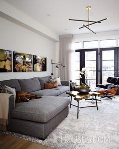 In our Designer Tips feature, assistant design editor Jennifer Koper shares expert advice on shopping for sofas. | Photographer: Angus Fergusson | Designer: Cindy Bleeks
