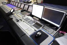 오디오 녹음 (성우, ARS, 광고, 안내방송, 게임 등) 합니다. 여러 유명 프로젝트에 참여한 경험이 있습니다. 포트포리오를 들어보시고 선택해 주세요^^http://www.wow10.com/Audio/692/
