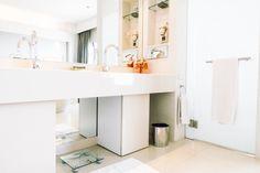 Baño | Fotos y Vectores gratis Popular Colors, Accent Colors, Double Vanity, Quartz, Surface, Fresh, Decor, Collection, Style