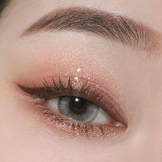 Make-up kleine Augen Make-up Lidschatten Make-up Combo Augen Make-up ich . - Eye make-up - Make-up World Korean Makeup Look, Asian Eye Makeup, Makeup Eye Looks, Eye Makeup Art, Makeup Inspo, Eyeshadow Makeup, Makeup Inspiration, Korean Natural Makeup, Korean Beauty