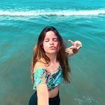 O q vcs vão fazer hoje?  Eu fui na praia só pra tirar foto pq vou gravar o dia tdo 😂 Falando em gravar, tem vídeo novo no canal, corre lá! Tumblr Girls, Kpop, 1, Instagram, How To Take Photos, Emboss, Beauty, Shots Ideas, Girlfriends