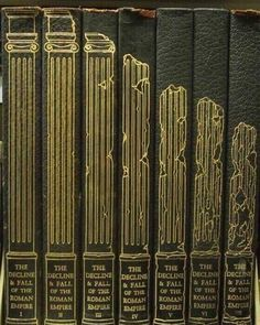 The splendid book design of the 1946 edition of Gibbon's Decline and Fall of the Roman Empire Mises En Page Design Graphique, Edition Jeunesse, Buch Design, Ppt Design, Design Layouts, Design Posters, Brochure Design, Empire Romain, Book Spine