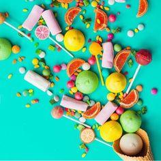 Que a nossa terça-feira seja doce e colorida!!! ❤ #cangatoalha #cangaatoalhada #cangadepraia #modapraia #tropicalvibe #canga #tees #tshirt #tshirts #biojóias #bijoux #bolsadepalha #bolsasdepalha #bolsacustomizada #clutch #clutches #clutchdepalha #verão #verao2017 #summer #summer17 - Imagem Pinterest