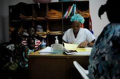 The Heart Fund - Mission à Haïti - 2012  capucinegranierdeferre thf theheartfund cardiovasculardisease heartdisease healthcare haiti haïti humanitaire medicalstaff child children