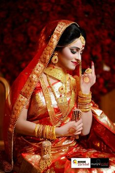 hashtags for indian wedding photography Indian Wedding Poses, Indian Bridal Photos, Indian Wedding Couple Photography, Bengali Wedding, Bengali Bride, Indian Bridal Fashion, Bride Photography, Indian Weddings, Photography Ideas