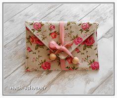 wunderschöne Leinen-Clutch #clutch #roses #rose #rosen  #clutches #leinen #miniclutch #tasche #täschchen
