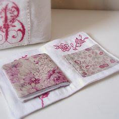 Another supercute needle case that I need to make -- Clarissa ❥Teresa Restegui http://www.pinterest.com/teretegui/❥