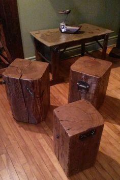 Petit banc ou tables d'appoint très originales faites à partir de bois recyclé. Visiter aussi www.mgartrecup.wordpress.com ou ma page Facebook au: Facebook.com/michel.gauthier.artrecup