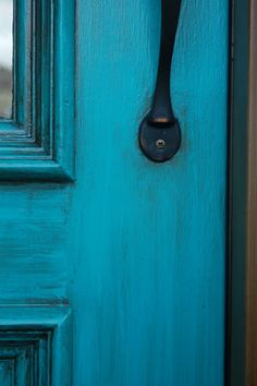 using turquoise paint and glaze I am so doing this to my garage entry door! think it would also work with red paint and glaze. Turquoise Door, Turquoise Painting, Turquoise Kitchen, Garage Entry Door, Entry Doors, Wood Doors, Entryway, Best Front Doors, Back Doors