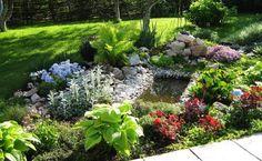 jardin-alpin-bassin-aquatique-entouré-galets