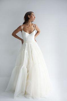 Lihi Hod Wedding Dresses white wedding dress in white - New ideas Dream Wedding Dresses, Bridal Dresses, Wedding Gowns, Prom Dresses, Formal Dresses, Wedding Outfits, Prettiest Wedding Dress, Waters Wedding Dress, Designer Wedding Dresses