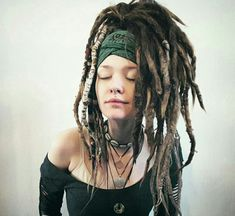 Bob hairstyle for black women women hairstyles short face shapes,black women hair highlights contouring tutorial cool braided hairstyles,blonde hairstyles boys braided red hair. Dreadlock Rasta, Dreadlocks Girl, Dreadlock Styles, Dreads Styles, Blonde Dreads, Dreadlock Hairstyles, Messy Hairstyles, Pretty Hairstyles, Wedding Hairstyles