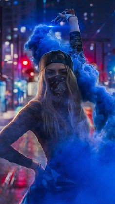 Portrait Photography Poses Guide for Photographers and Models Smoke Bomb Photography, Smoke Photography, Portrait Photography Poses, Creative Photography, Photography Tips, Digital Photography, Photography Lighting, Photography Business, Wedding Photography