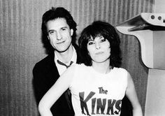 Tig Notaro Interviews Chrissie Hynde About Memoir, Aging, old flames Ray Davies (in pic), Jim Kerr and more. Rock And Roll Girl, Rock N Roll, Music Is Life, My Music, Music Stuff, Jim Kerr, Black Limousine, Ray Davies, Chrissie Hynde