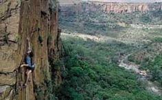 A guide to some of the most breathtaking mountain climbs in the world, all to be found right around South Africa. Holiday Accommodation, Rock Climbing, Holiday Destinations, South Africa, Beautiful Places, Mountain, Relax, Adventure, Country