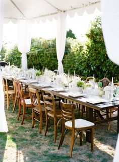 Backyard bash: http://www.stylemepretty.com/living/2014/11/06/sea-meets-land-30th-birthday-party/ | Photography: Katie Parra - http://katieparra.com/