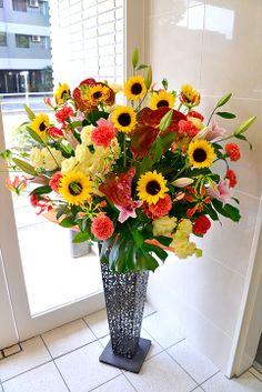 Sunflower, Oriental, Ansuryumu, Gloriosa, carnations, lisianthus, lemon leaf, Monstera ヒマワリ、オリエンタル、アンスリューム、グロリオサ、カーネーション、リシアンサス、レモンリーフ、モンステラ