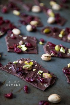 Cranberry + Pistachio Chocolate Bark from @Style Space & Stuff Blog | Sweet-Remedy.com