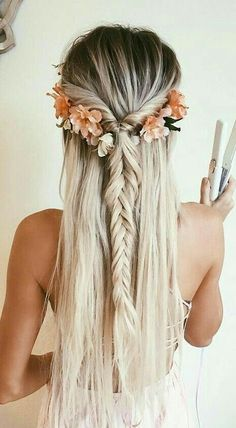 romantic hairstyles perfect for boho weddings