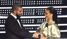 MTV VMAs 2016: Drake Presents Rihanna With Video Vanguard Award