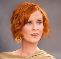 Cynthia Nixon - Hollywood Celebs Who Look Best With Red Hair Classy Hairstyles, Popular Hairstyles, Bob Hairstyles, Short Red Hair, Short Hair Cuts, Short Hair Styles, Cynthia Nixon, Beautiful Red Hair, Beautiful People