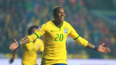Brasil vs. Paraguay: Robinho superó a estos cracks y entró a selecta lista.