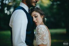 loving couple #bride #groom #weddingphotographe ©reegophotographie